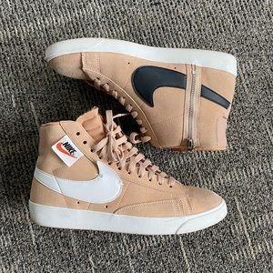 Nike Blazer Mid Rebel